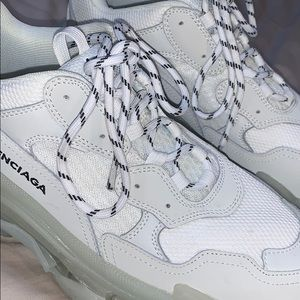 Balenciaga triple s white shoe